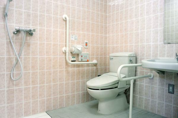 車椅子用トイレ